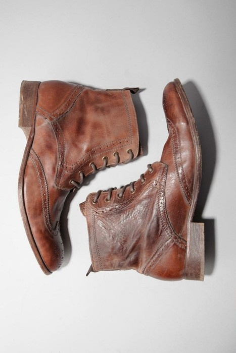brown oxford boots (love their well-worn elegance)