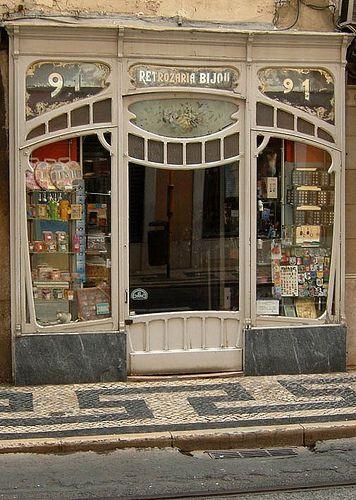 Portugal, Lisboa. Shop in the Rua da Conceição. Sepember 2006. Photography by Ernst Schade
