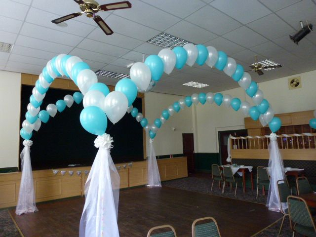 17 best images about arches and wedding decoration for Balloon dance floor decoration