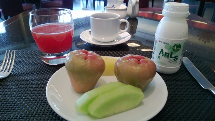 A part of my daily breakfast, the wax-apples & the Probiotic yogurt drink with Aloe Vera chunks prepared me for all the interesting food I tried for lunch and dinner.