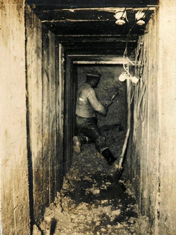 WW1. A German tunneler in the Ripont area, France. -Johan Ryheul (@JohanRyheul) | Twitter