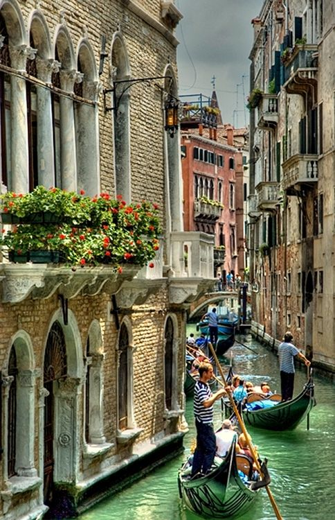 Take me there...Venice, #Italy  A beautiful city by day, enchanting by night!