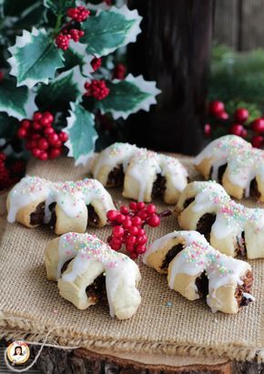 Ricetta dei BUCCELLATI SICILIANI biscotti Siciliani Natalizi a base di fichi secchi, noci, mandorle, cacao, miele. Ricetta biscotti Natale da regalare