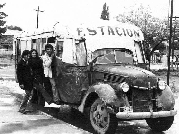 Locomoción colectiva en Santa Cruz, provincia de Colchagua, año 1973. Chile