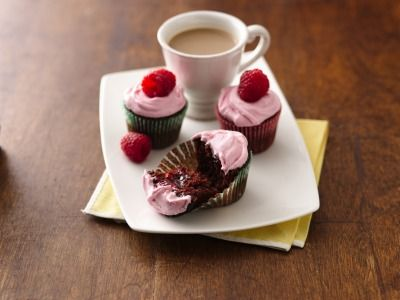 MIni Chocolate Raspberry Cupcakes:Easy, cute birthday cupcake ideas for kids, plus see more amazing birthday cake recipes.