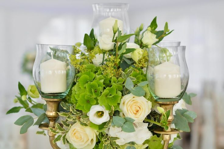 Yes-Events-Barn-Wedding-flowers-details