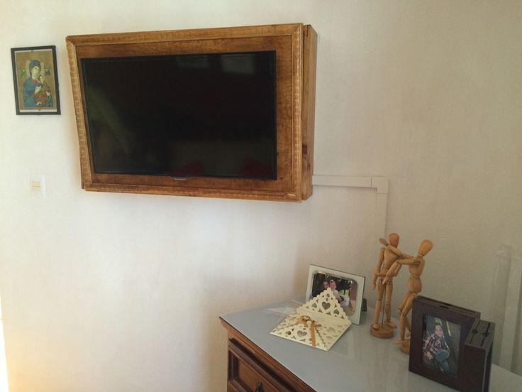 Mueble de pared con cajonera para pantalla muebles de - Muebles estilo rustico ...