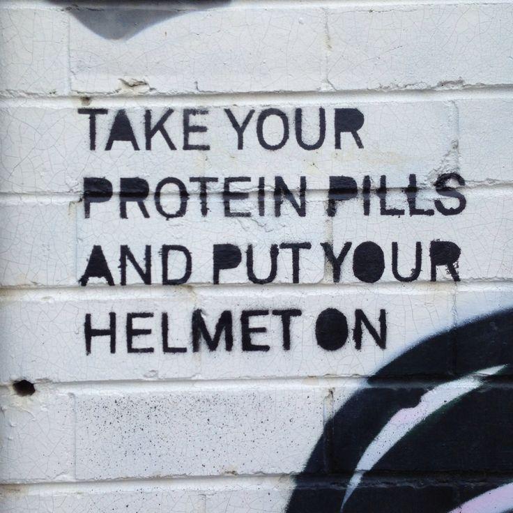 Melbourne street art Fitzroy #georginaRussell Ground control to Major Tom