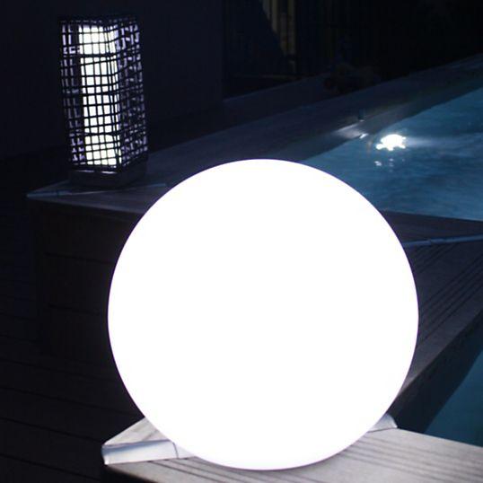 lampadaire exterieur boule borne solaire boule verre mtal. Black Bedroom Furniture Sets. Home Design Ideas