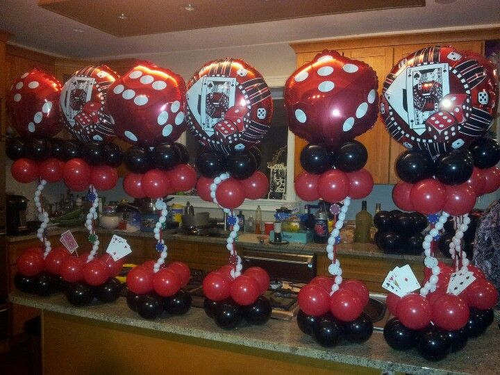 Casino themed balloon centerpieces by rosielloons like on for Balloon decoration machine