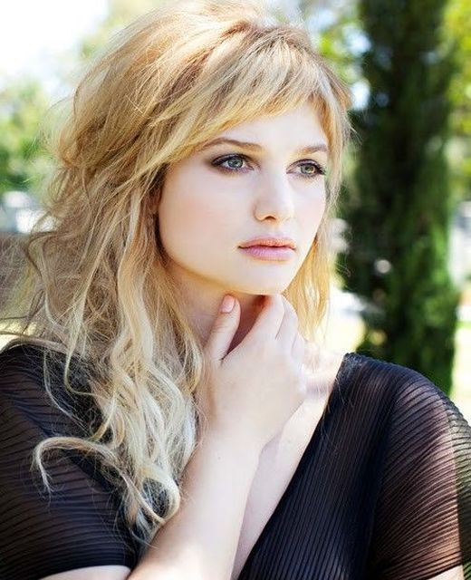 Uneven fringed layers hairstyles 2016 with short bangs