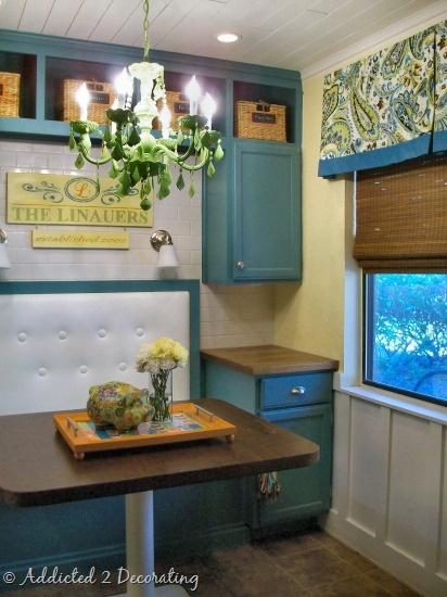 I like the idea that this is a basic everyday kitchen with simple changes to make look better: Kitchens Spaces, Decor Ideas, Cabinets Colors, Breakfast Nooks, Green Kitchens, Small Spaces, Kitchens Dinning, Kitchens Booths, Window Valances