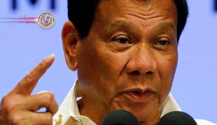 Trump convida Duterte para visita à Casa Branca. O presidente dos EUA, Donald Trump, convidou o presidente filipino, Rodrigo Duterte, para vista à Casa Bran