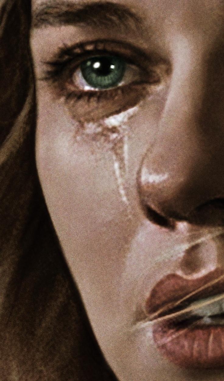 Woman: Dammi la forza di lasciarlo andare ...............................Give me the strength to let it go