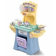LITTLE TIKES - CUPCAKE KITCHEN - Get ready to cook up a storm