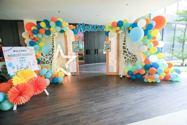 Marcus' Party at the Zoo Themed Party – Entrance
