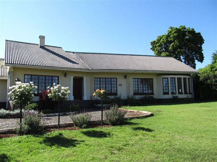 The Mount Grace Self-catering - Set within the picturesque little village of Himeville, The Mount Grace House offers a memorable holiday experience to guests.  It is a great option for couples or families visiting this scenic part of ... #weekendgetaways #himeville #southafrica