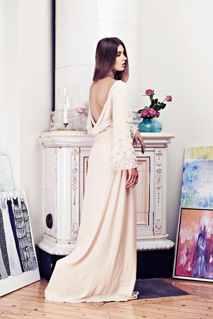 Lookbook SS15 Viktoria Chan fashion label, Scandinavian fashion, Balklänning, open back dress