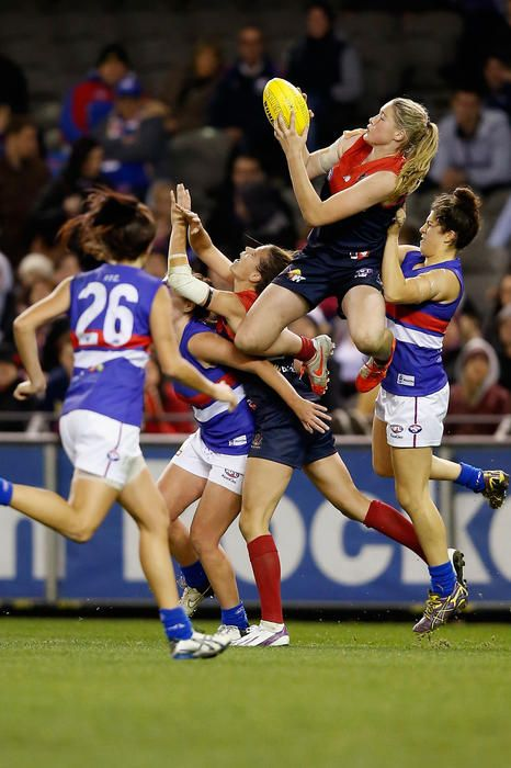 Tayla Harris takes a high mark during the women's exhibition AFL match between Western Bulldogs and Melbourne Demons (Darrian Traynor/Getty Images)