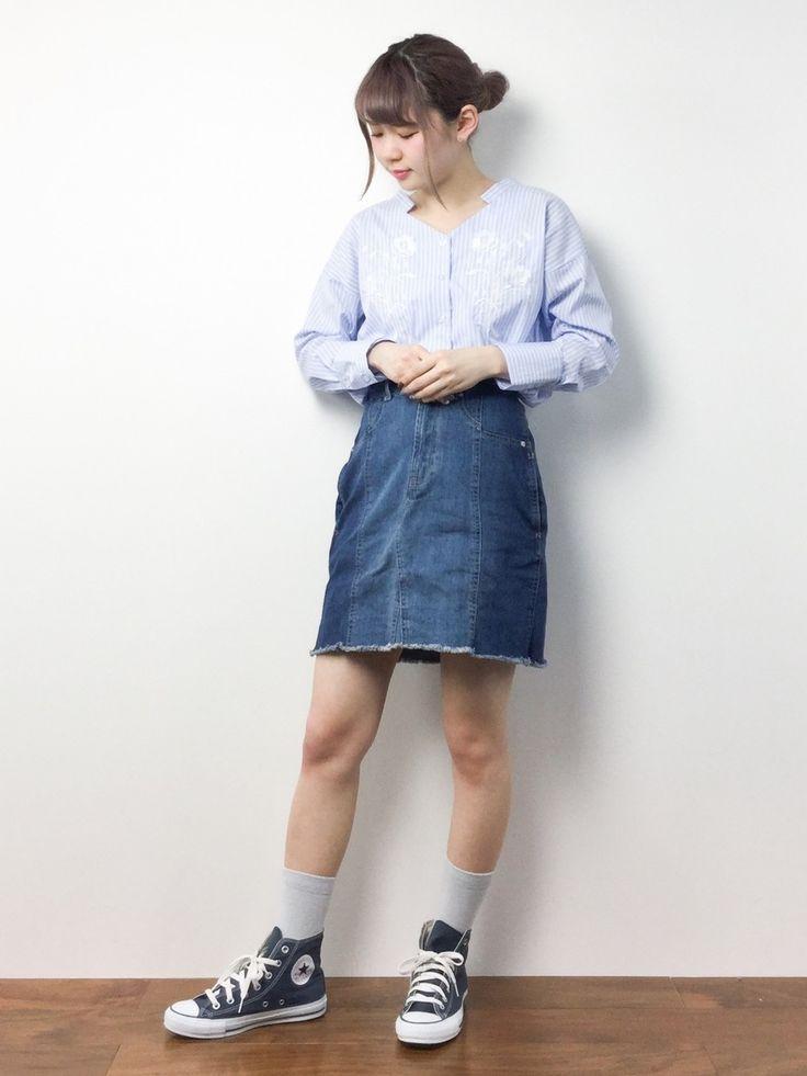MAIさんの「デニム切替え台形スカート(Ray Cassin)」を使ったコーディネート
