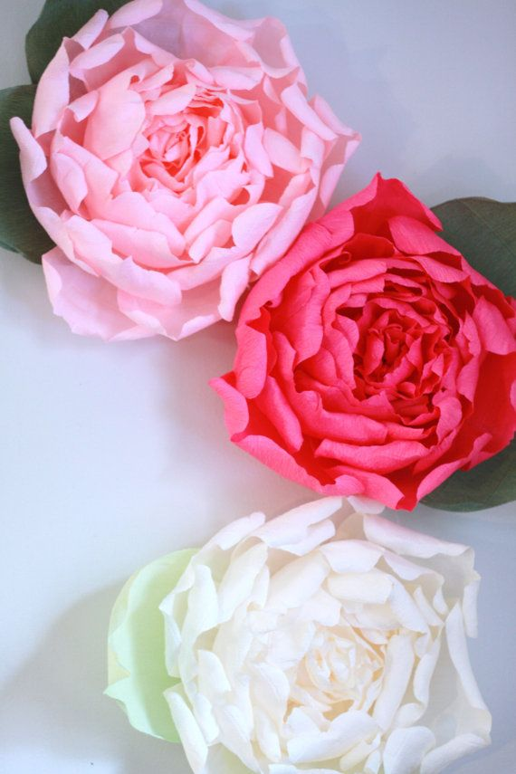 Set of 3 giant paper flowers. Huge paper by FlowerVoyageBoutique