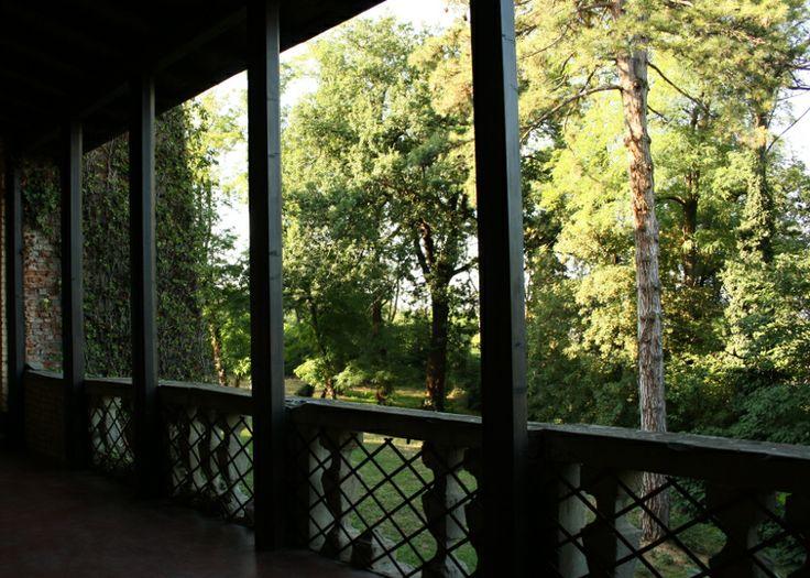 Il balcone del Castello affaccia sulla collina che digrada verso il Tidone #valtidone #piacenza