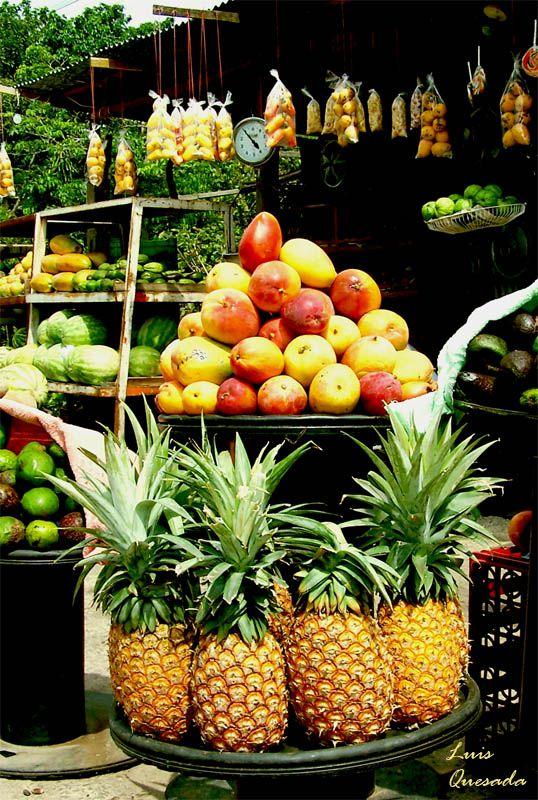 costa rica has the freshest & tastiest fruit