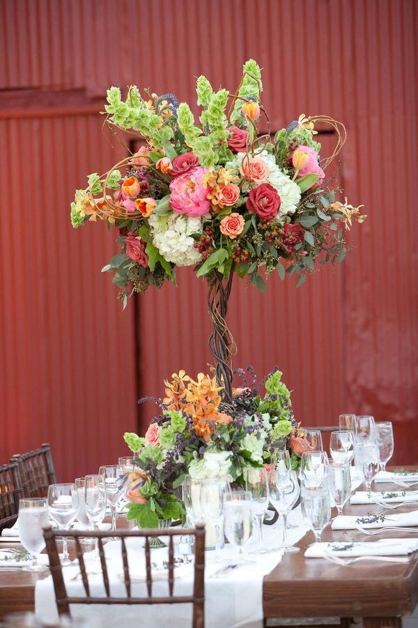 Доставки, композиции из цветов на столы гостей к мужскому юбилею