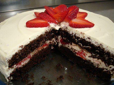 Кавказская кухня » Шоколадно-клубничный торт
