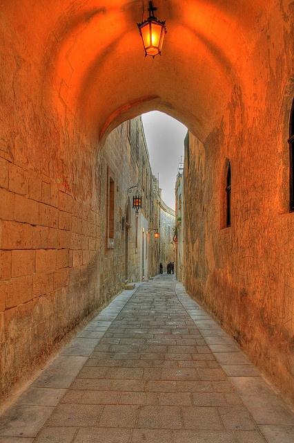 Malta - I Colori Dei Vicoli Della Medina