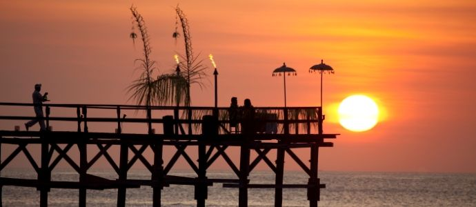 Dinner by the jetty at AYANA http://www.ayanaresort.com/en/resort/romantic_dining_experiences/#