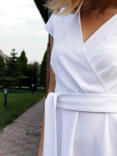 Белое платье Дайан Лэйн из фильма «Под солнцем Тосканы» 5,620₽  Идеальное летнее платье — лёгкое, белоснежное, с декольте и широкой свободной юбкой. Удобное и сексуальное одновременно. Примерка и самовывоз в Москве, доставка по России. Вопросы и заказ по телефону +7 (916) 134-95-57