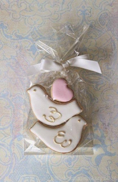 Inspiração_Cookies_Casamento_Formato_Pombinhos