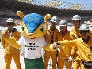 Fuleco, o tatu-bola mascote da Copa 2014, une ecologia e futebol