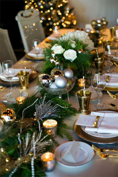 Getting married near the holidays? Add a touch of the festive season to your centerpieces.