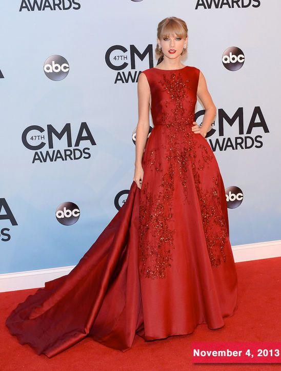 Taylor Swift in Elie Saab at 2013 CMA Awards