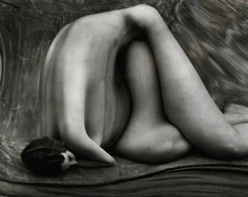 Elisandre - L'Oeuvre au Noir: Distorsions - La photographie est un miroir déformant avec André Kertesz