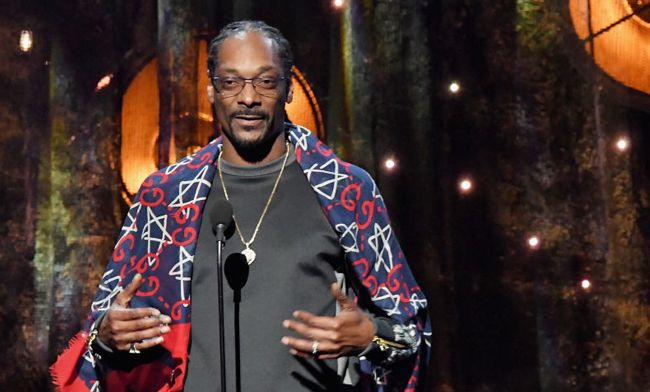 Snoop Dogg's induction of Tupac into the Rock and Roll Hall of Fame was heartfelt, touching, funny and full of weed trivia.