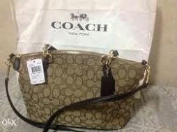 ????Authentic Magenta Coach Tote?? MAGENTA COACH PURSE; GENTLY USED; MINOR MARKS Coach Bags Totes