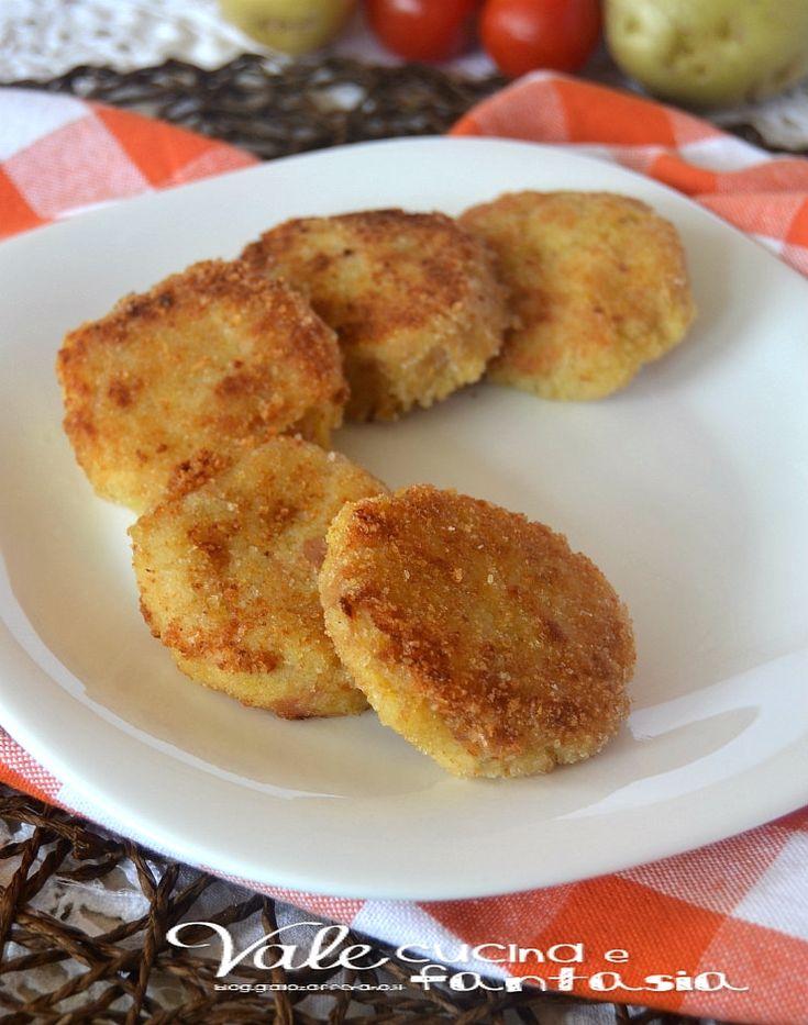Polpette di tonno e patate,ricetta secondo piatto golose e sfiziose si fanno in poco tempo e sono apprezzate da tutti ideali come finger food e secondo