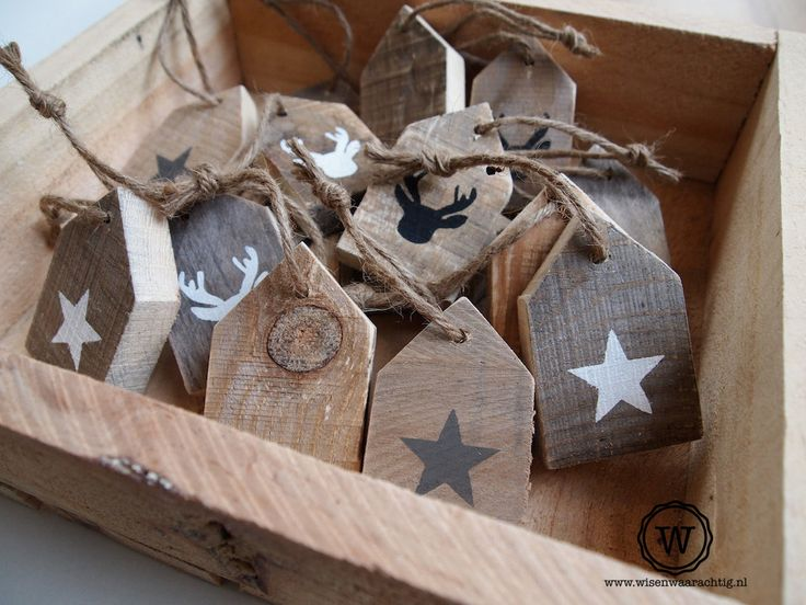 Ideas for my wooden disks. #sloophouten #huisjes #kerstdecoratie.