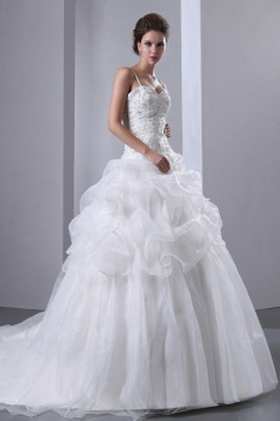 Modern Spaghetti Strap Ball Gown Wedding Gown wr0173 - http://www.weddingrobe.co.uk/modern-spaghetti-strap-ball-gown-wedding-gown-wr0173.html - NECKLINE: Spaghetti Strap. FABRIC: Organza. SLEEVE: Sleeveless. COLOR: Ivory. SILHOUETTE: Ball Gown. - 131.59