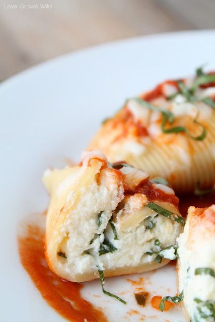 Three Cheese Stuffed Shells | Recipe | Garlic bread ...