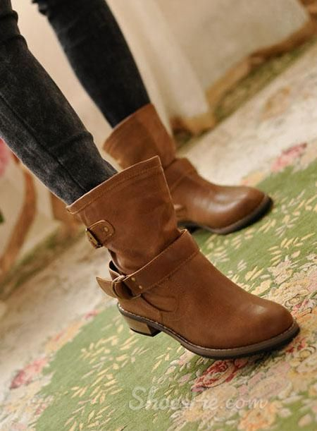 Fashionable Brown Flat Boots with Buckle