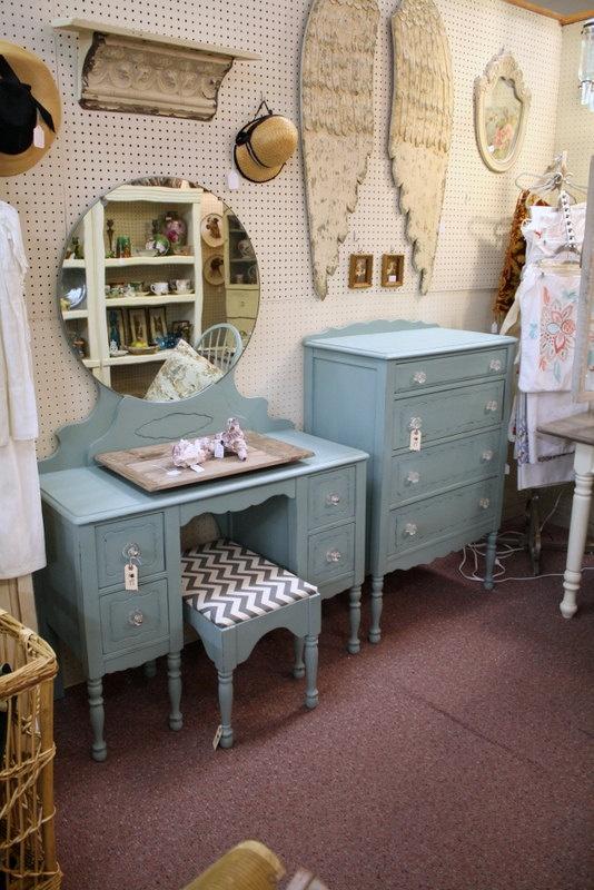 antique blue highboy dresser antique vanity vanities and stools rh pinterest com