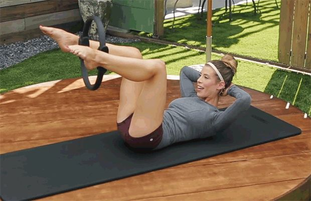 The Ultimate Pilates Ab Workout: 6 Must-Try Moves – Health News / Tips & Trends / Celebrity Health