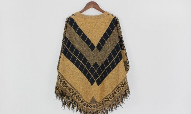 Great for work, parties, lounging, holidays, or chilling with friends, this cape-style sweater features a tassel design and batwing sleeves