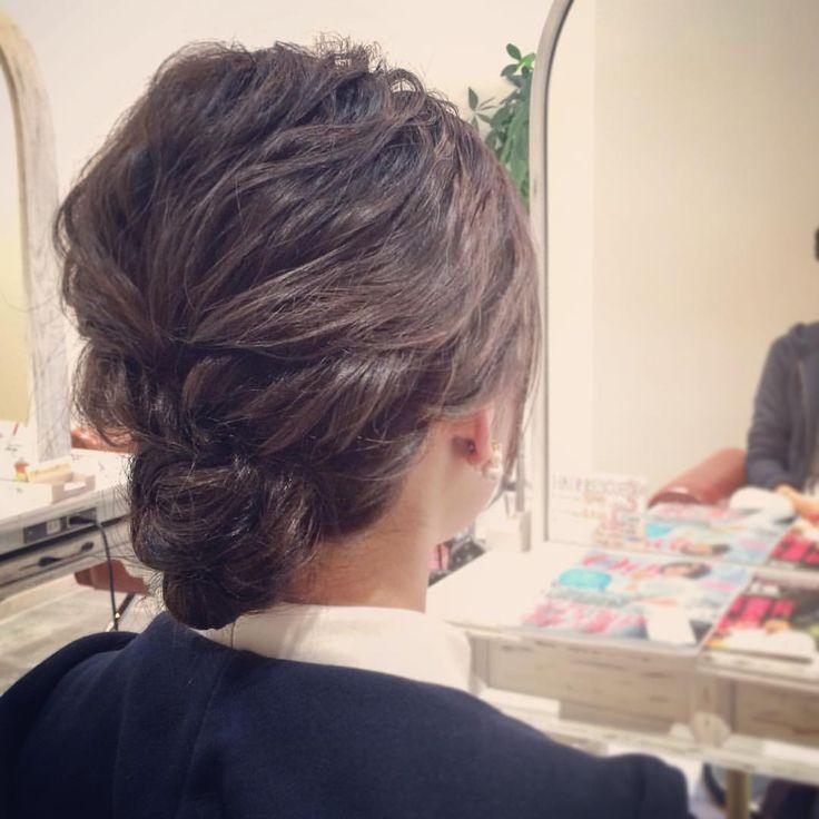 today's hair style☆  最近はこういうシンプルスタイルが好きです☆ その分、難しいけど。 .  #ヘアセット #セット #ヘアアレンジ #アレンジ #アップスタイル #シニヨン  #波ウェーブ #ツイスト #ねじねじ #ふわふわ #モフモフ #ヘアアクセサリー #シンプル #結婚式 #ルーズ  #フェミニン #ブライダル #パーティー #二次会 #ありがとう #京都 #京都駅前 #美容室 #t2style #hairstyle #starbucks  #courarir  #courarirkyotoekimae #kyoto