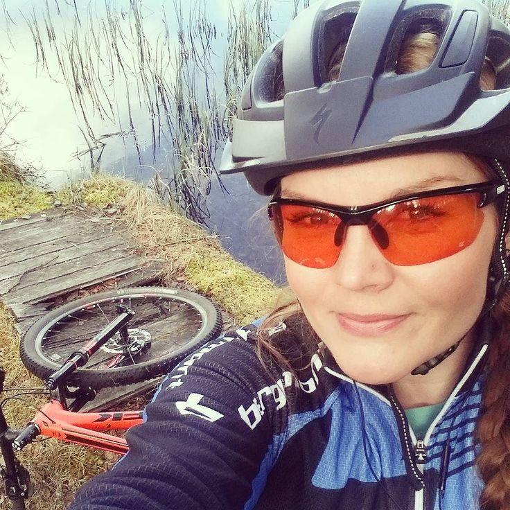 My kind of friday! #unelmientyöpäivä #virkistyspäivä #rokua #rokuamtb #mtb #maastopyöräily # #pyöräily #trek #specialized #bergamont #nature #lifebehindbars #cycling #girlsandbikes #treksuperfly #cyclinglife #kpk247 #kestävyyttäpintakaasulla by _suvisuppura_