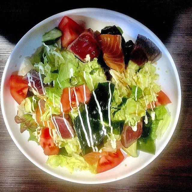 . 体重変わってないのに、太ったってめっちゃ言われる😭 みっきー特製 #肉魚サラダ 💕 . #japan #osaka #imazato #izakaya #salad #🥗 #diet #vegetable #happy #l4l #instagood  #love #gay  #日本 #大阪 #今里 #覇王樹 #居酒屋 #サラダ #肉 #魚 #ダイエット #ベジタブル #ベジタリアン  #おかま #男の娘 #ゲイ #ニューハーフ